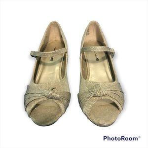 Girl's Toddler Dressy Formal Shoe Gold Heels/Pumps Shimmering American Eagle